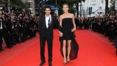 Почему актер Жамель Деббуз постоянно держит руку в кармане