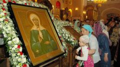 What flowers loved Matrona of Moscow