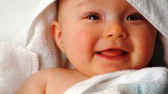 Реагирует ли младенец на освещение и речь чужих ему людей