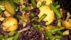 Салат с винными кальмарами и стручковой фасолью