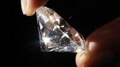 Почему алмаз сверкает