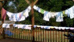 Чем лучше всего стирать пеленки-распашонки младенца