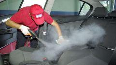 Химчистка салона автомобиля своими руками: полезные советы