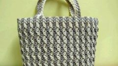 The art of macrame bags with their hands