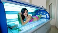 Is it possible to go to the Solarium during pregnancy: pros and cons
