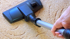 How to clean a synthetic carpet in home