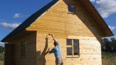 Чем лучше обработать деревянный дом и пристройку снаружи