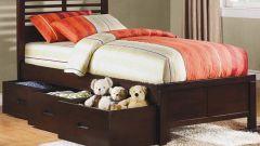 По каким критериям нужно выбирать кровать с выдвижными ящиками