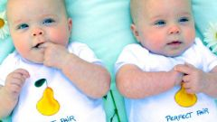 Как выбрать имена девочкам близнецам
