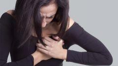Пронзающие боли в груди: причины
