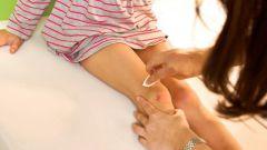 Как оказать помощь упавшему ребенку