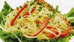 Какие салаты приготовить из квашеной капусты