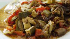 Как приготовить тушеные кабачки с овощами
