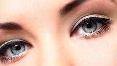 Как делать стрелки на глазах