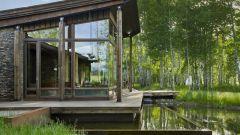 Какой построить фундамент на болотистой местности