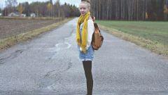 Можно ли короткие шорты носить с колготками или лосинами.