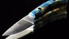 What superstitions and omens associated with knives