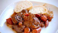 Как тушить мясо в мультиварке