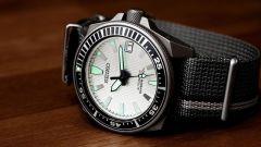 Водонепроницаемые часы  в подарок мужчине