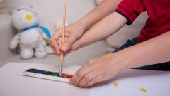 У ребенка трясутся руки: что делать