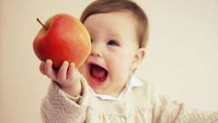С какого возраста можно давать ребенку яблочное пюре