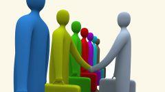 Кто квалифицированнее - молодой специалист или опытный работник?
