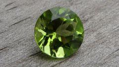 Как выглядит драгоценный камень  хризолит