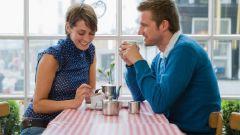 Как дать понять девушке, что парень рад встрече с ней