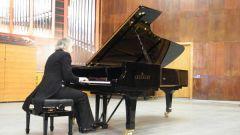В чем разница между роялем и пианино