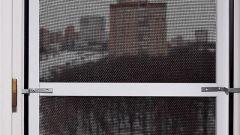 Как закрепить сетку от комаров на пластиковом окне