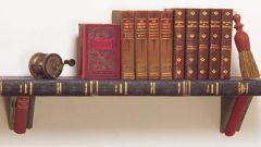 Полки навесные: классические, невидимые и скульптурные