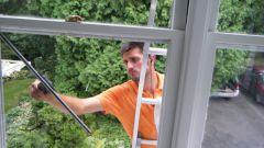 Как вымыть окна на лоджии с улицы