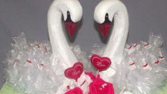 Как сделать свадебных лебедей на машину своими руками