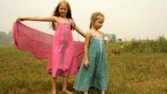 Универсальный предмет гардероба – сарафаны для девочек