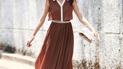 Платье с юбкой плиссе: с чем носить