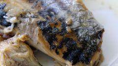Как приготовить салат с соленой скумбрией