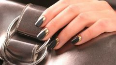 What color nail Polish is in fashion