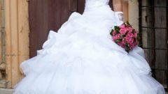 Какое свадебное платье подойдёт худенькой девушке