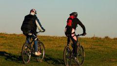 Обязателен ли шлем при езде на велосипеде