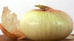How to use onion peels as fertilizer