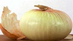 Как использовать луковую шелуху как удобрение