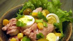 Как приготовить салат из печени трески с кукурузой