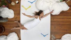 Полезно ли спать на полу