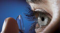 Кто изобрел первые контактные линзы