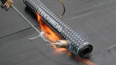 Газовая горелка для кровельных работ: особенности и применение