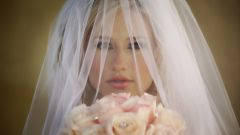 Зачем невесте фата