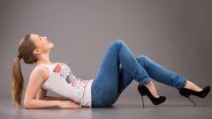 Как сделать из широких джинсов модные узкие джинсы