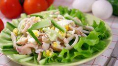 Рецепт приготовления праздничного салата с кальмаром и с огурцом