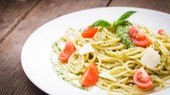 Рецепты блюд итальянской кухни: спагетти с томатом и сыром