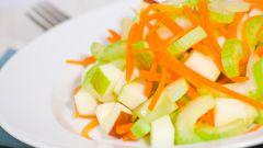 Салат из сельдерея с яблоком и морковью: вкусно и полезно